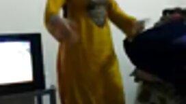 برای مرد جدیدی که در اتاق قفل بود برای یک لباس جدید عكس كير كون یک از blowjob استفاده کرد