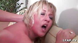سابرینا جوان یک خروس را در دهان دلپذیرش فرو کون وکس خارجی کرد